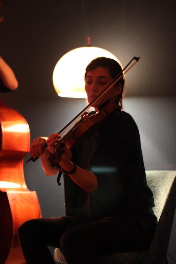Judith Retzlik von gerda vejle an der Geige